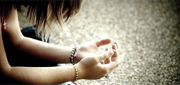 Descubra o que significa fazer uma Oração Forte para se aproximar de Deus